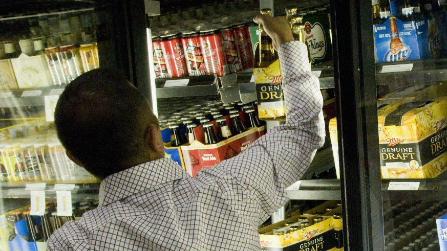 are liquor stores open on labor day