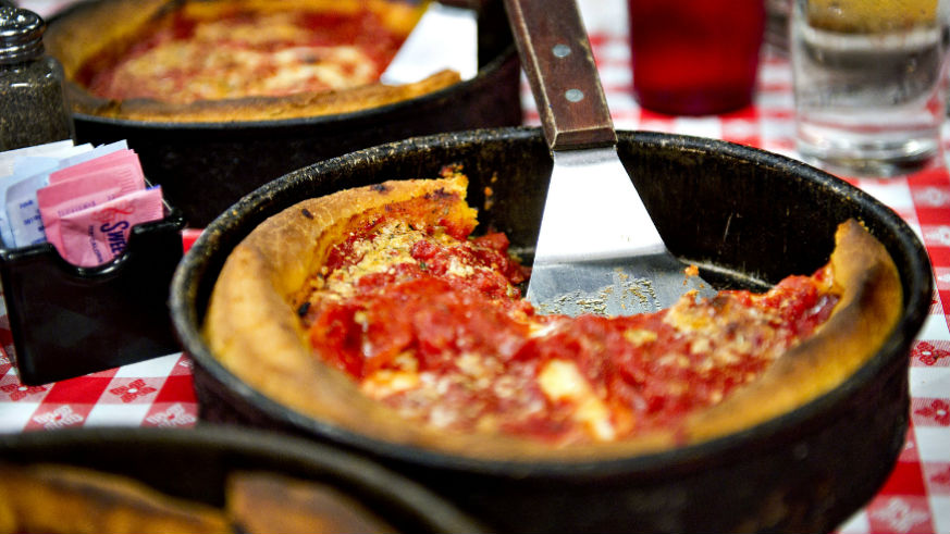 Chicago deep dish pizza vs. the New York Slice | pizza museum