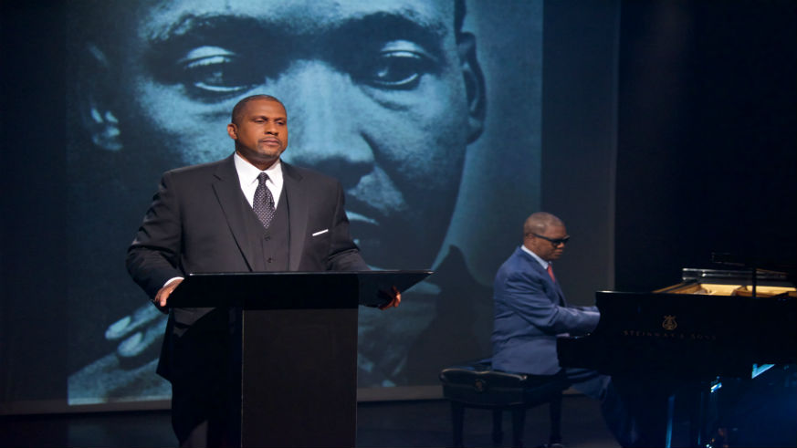 Tavis Smiley Brings MLK to the stage
