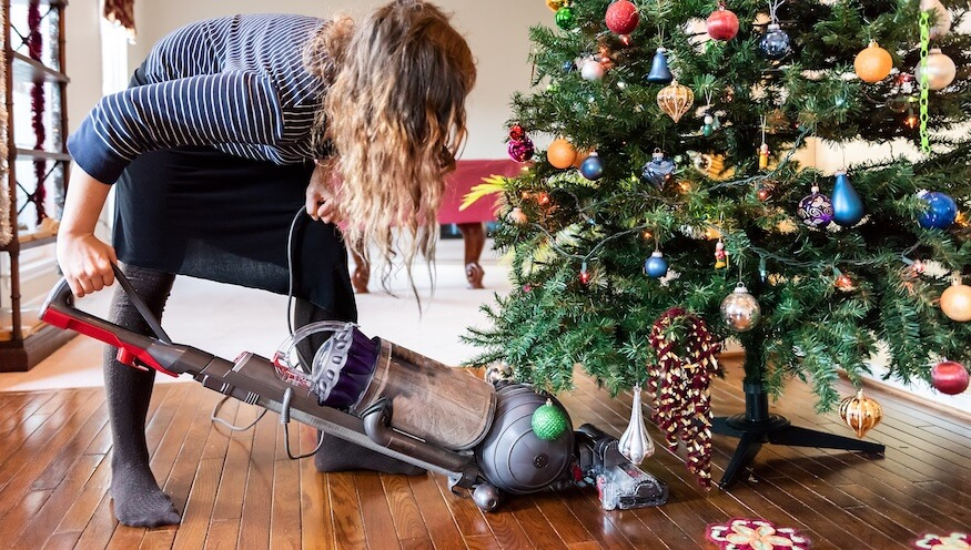 christmas-tree-holiday-cleaning